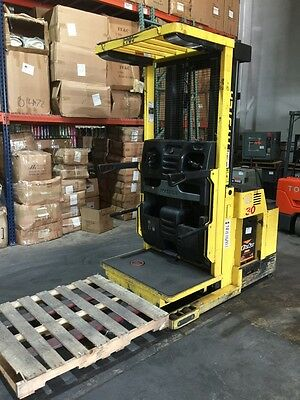 2006 Hyster R30XMS2 3000 lbs 3 Stage Electric Order Picker Forklift 100% BATTERY