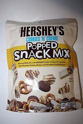 Hershey's Cookies'N'Creme Popped SNACK MIX 226g Bag