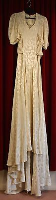 SMALL, CREAM, 1940's EMBOSSED CREPE WEDDING DRESS. ORIGINAL VINTAGE.