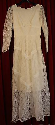 SMALL, 1950's WHITE LACE WEDDING DRESS. ORIGINAL VINTAGE.