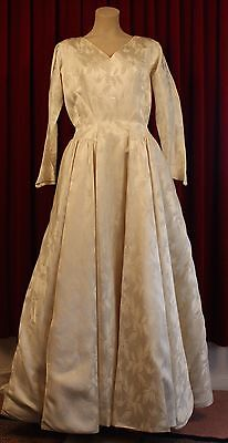 SMALL TO MEDIUM, CREAM EMBOSSED SATIN, 1950's WEDDING DRESS. ORIGINAL VINTAGE.