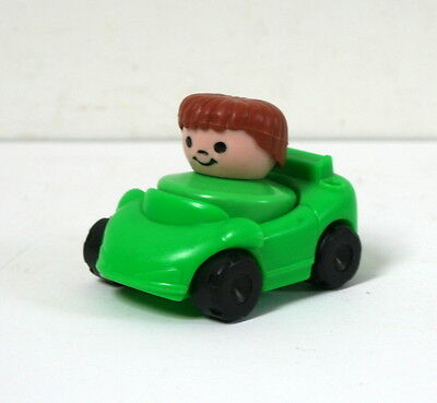Petite voiture Fisher Price et son personnage vintage