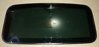 Subaru Sunroof Glass and Seal Assy Liberty Outback Gen 5 09-14