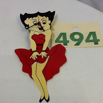 BETTY BOOP QUARTZ WALL CLOCK with MOVING PENDULEM DRESS AND LEGS