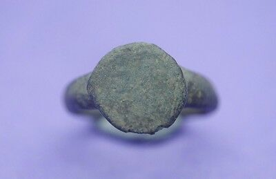 Ancient Roman bronze ring 1st-3rd century AD
