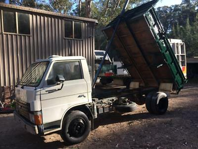 Ford Traded Tipper 6cyl Diesel 5 sp & splitter low Ks drives great NSW Rego
