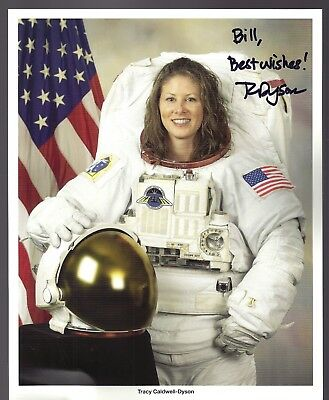 Autograph, Hand Signed, astronaut TRACY CALDWELL DYSON,OFFICIAL NASA PHOTO