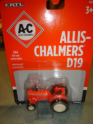 AGCO Allis Chalmers D-19 Tractor ERTL/TOMY 1/64 Diecast NEW IN PKG