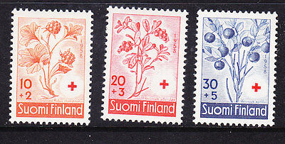 Finland Red Cross 1958 set 595/97  Mint Light Hinged