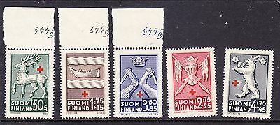 Finland Red Cross 1942 set 364/68 Mint Never Hinged