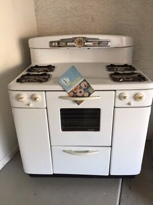 Vintage Tappan Deluxe Stove