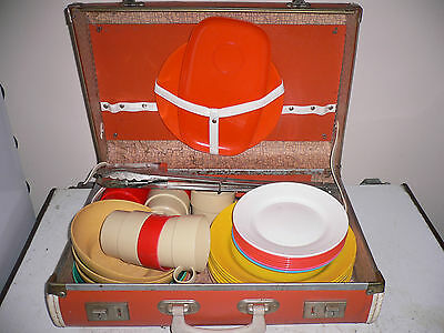Picnic set  old style in small suit case