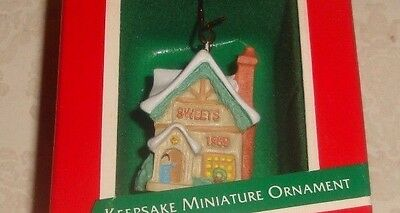 "Hallmark Keepsake ""sweets Shop"" Miniature Old English Village Ornament - Nib"