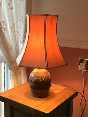 briglin pottery table lamp, fern pattern circa 1988, complete with shade