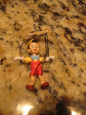 MIMB WALT DISNEYS Pinocchio Marionette mini ornament 2004 Moves like a puppet