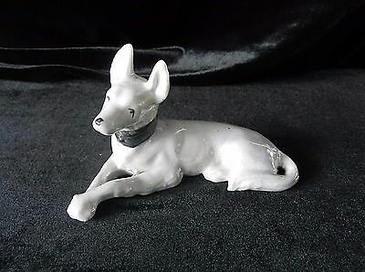 Vintage WHITE DOG FIGURINE Ceramic Porcelain JAPAN