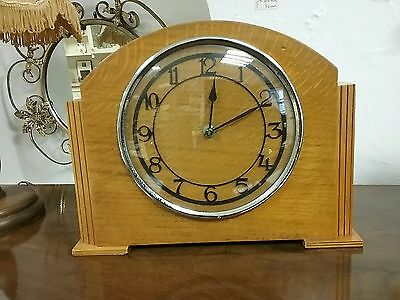 Vintage Post War One Day Mantel Clock - Works Great
