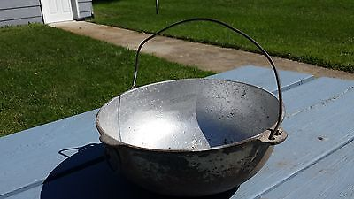 Vintage Antique Wagner Ware Cast Iron #3 Kettle Pot Pan w/ Handle & Ring