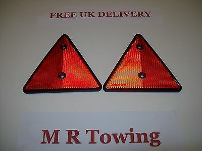 one pair of MAYPOLE Trailer/caravan Reflective Rear Triangle