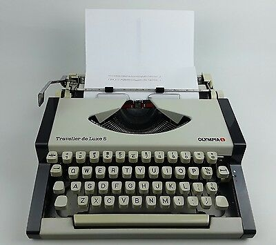 Olympia Traveller De Luxe S Typewriter with Hard Case and Instructions - Vintage