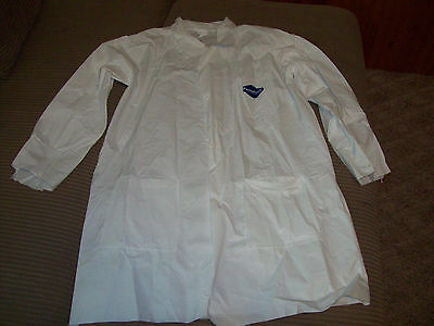 1 Halloween Lab Doctor Costume Coat  Puncture & Tear Resistant Large Disposable
