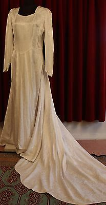 MEDIUM, SILK BROCADE, WHITE 1950's WEDDING DRESS. ORIGINAL VINTAGE.