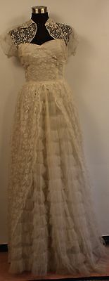 SMALL, LACE & NET 1930's WEDDING DRESS.ORIGINAL VINTAGE. WITH LACE JACKET.