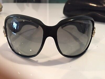 5c5d92701be GUCCI Gold Buckle Sunglasses 2591 S black frame with oversized squared rims