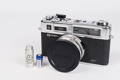 Yashica Electro 35 GS + Yashinon DX 45MM 1:1,7 - new seal and Battery adapter