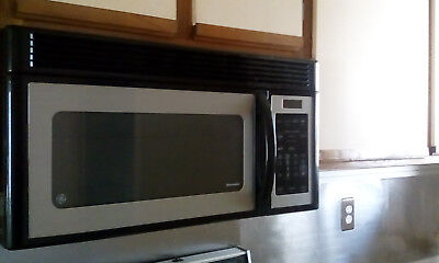 """30"""" Ge Otr Microwave, Jvm1443Lk02 Black And Stainless Over The Range Used Works!"""
