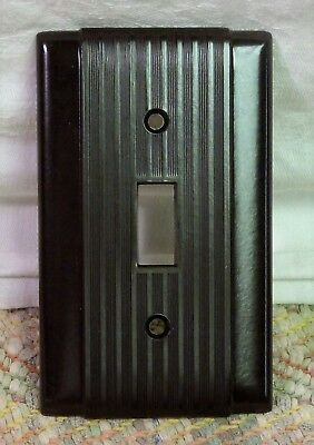 Vintage lot of 10 - NOS Hubbell Brown Deco ribbed Bakelite Switch Cover Plates