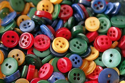 100 SMALL COUNTRY STYLE (Red/Green/Blue/Yellow) Buttons New -Sewing Craft & more