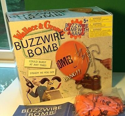 Rare 2009 Wallace & Gromit Buzzwire Board Game with a BANG! Aardman
