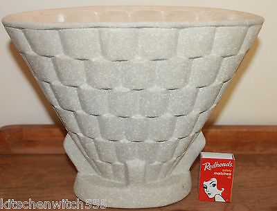 Art Deco Vase Fan Oyster Grey Surry Pottery England Collectable 20cm Vintage