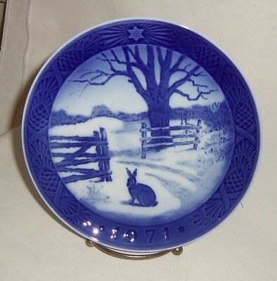 Royal Copenhagen Hare in Winter 1971 Christmas Plate