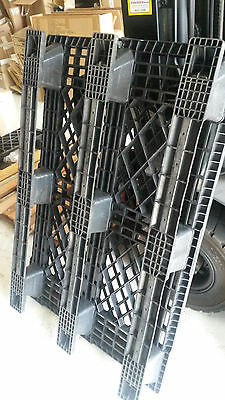 PLASTIC PALLETS - Used Once!!