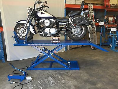 MOTORCYCLE BIKE LIFT BENCH, 680KG RATED AIR/HYD SUIT LARGE BIKES,2200mm (MB6005)