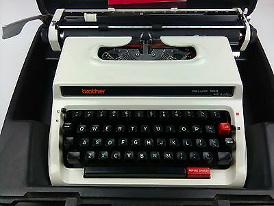 Brother Deluxe 1613 Typewriter in Hard Carry Case Made In Japan - Fast Dispatch