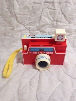 (J142) Vintage FISHER PRICE No. 112 CHANGEABLE PICTURE DISC CAMERA w/ 3 DISCS