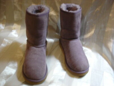 UGG 5251 Kids Girls Light Purple Boots Shoes Size 5 youth