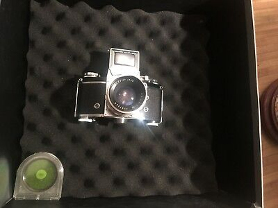 exakta varex iia 35mm slr camera with carl zeiss jena lens and green color lens