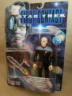 """Star Trek First Contact 6"""" action figure Captain Jean-Luc Picard by Playmates"""