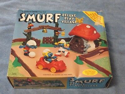 Smurfs Collectables Lot C  Deluxe Play Village