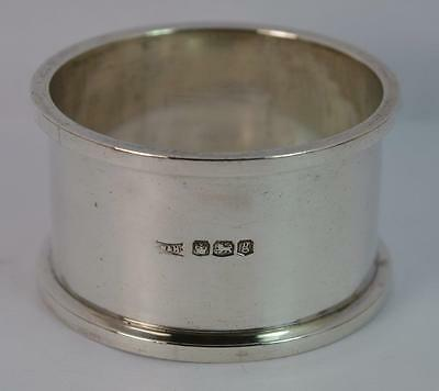 WALKER & HALL Solid Silver Napkin Ring