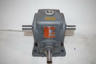 Boston Gear Speed Reducer Reductor  # T18 Ratio: 10:1  240 In-Lbs Torque