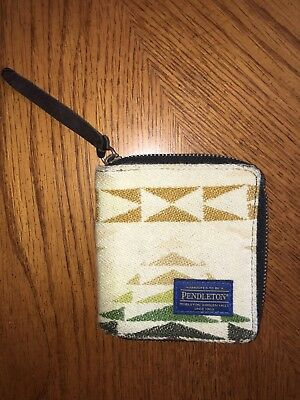 Pendleton Southwestern Wool Knit and Leather Zip around Bifold Wallet
