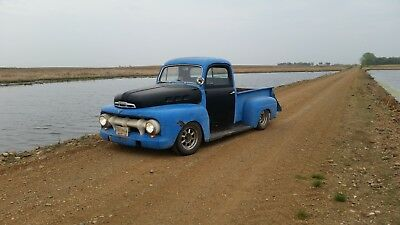 1952 Ford F-100  1952 Ford F-100