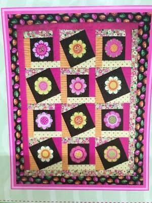 Fussy Flowers Quilt Pattern