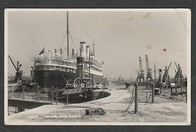 e375)       VINTAGE SHIP POSTCARD:  SS ORFORD  AT RAMSDEN DOCK, BARROW (1928-40)