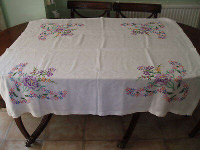 """VINTAGE  LINEN HAND EMBROIDERED TABLE CLOTH  49"""" x 45"""""""